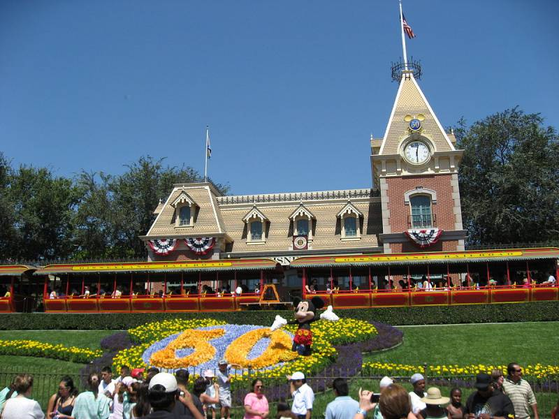 Disneyland_Park_Anaheim